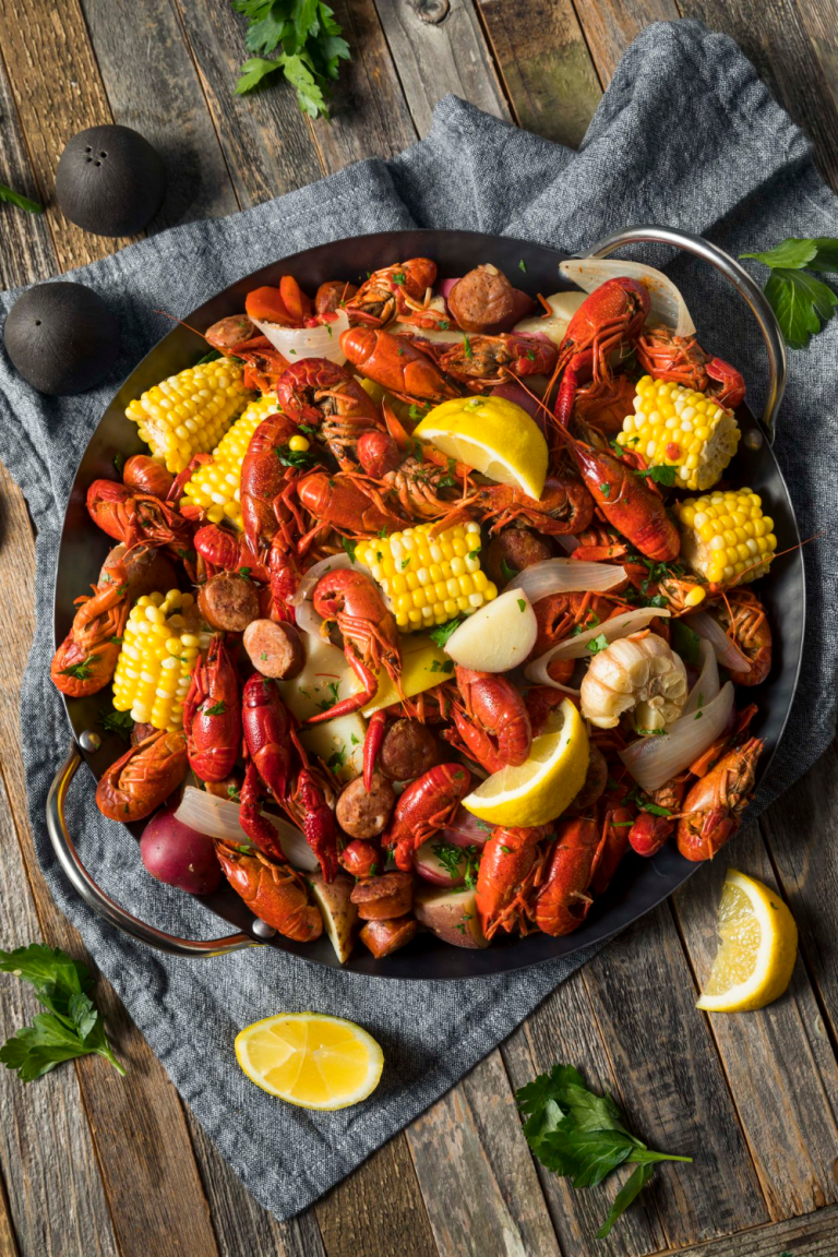 8 Step How To Eat Crawfish Properly Like a Pro