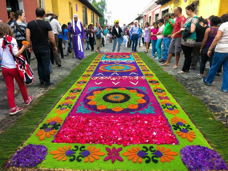 Guatemala: World's Greatest Alfombras
